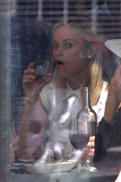 Reese Witherspoon 06 in the Bar None (AlKHall Bar None)