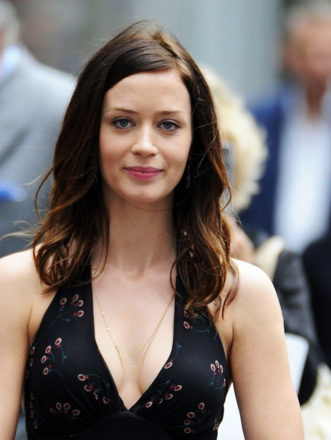 Emily Blunt 07 (AlKHall Booze Revooze Bar None)
