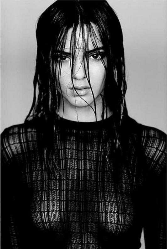 Kendall Jenner 01 see through (AlKHall Bar None Dregs)