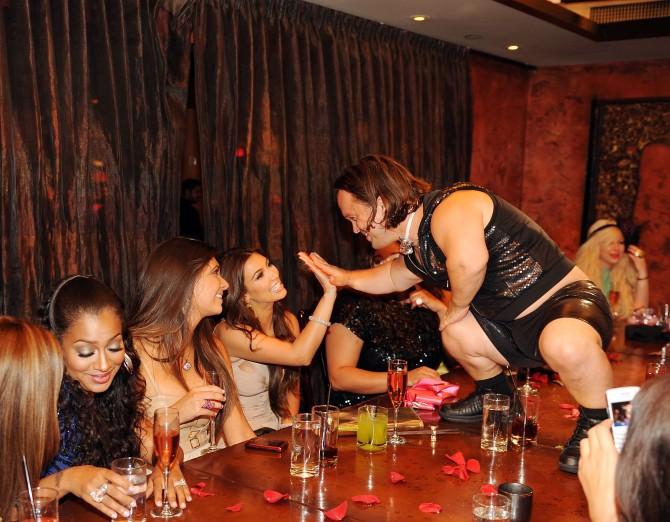 Kim Kardashian Dwarf bachelorette party 01 (AlKHall Bar None Dregs)