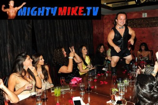 Kim Kardashian Dwarf bachelorette party 01 (AlKHall Bar None Dregs)