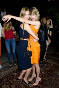 Taylor Swift & Karlie Kloss 03 (AlKHall Bar None Dregs)