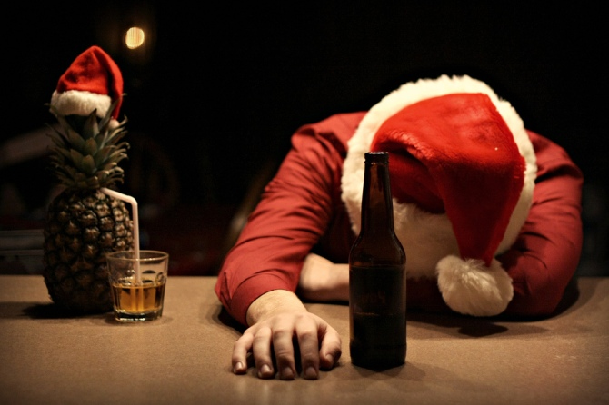 Drunk Santa 02 (AlKHall Bar None)