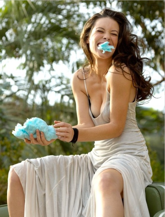 Evangeline Lilly 03 (AlKHall Bar None Booze Revooze)