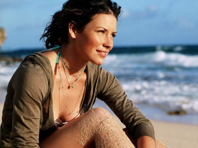 Evangeline Lilly 07 (AlKHall Bar None Booze Revooze)
