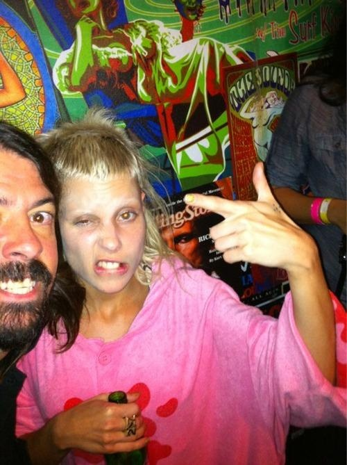 David Grohl & Yolandi Visser (AlKHall Bar None Audio Dregs)