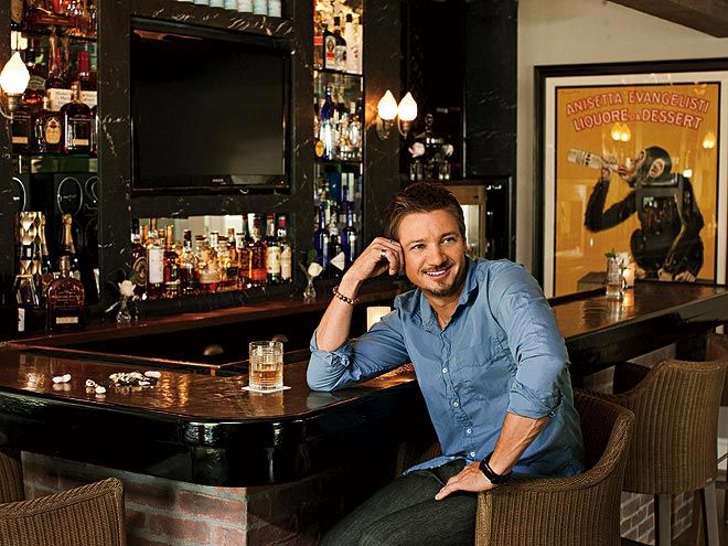 Jeremy Renner in the Bar None (AlKHall Booze Revooze Audio Dregs)