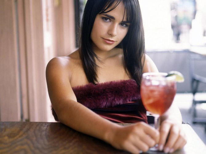 Jordana Brewster 09 in the Bar None (Bar None Booze Revooze AlKHall)