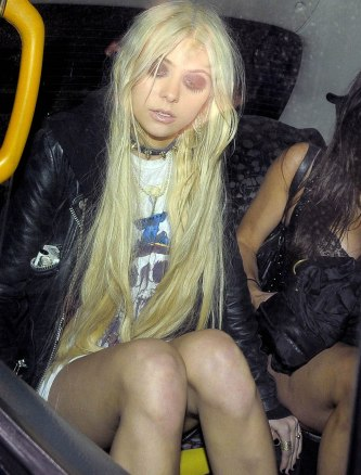Taylor Momsen in the Bar None 05 (Bar None Audio Dregs AlKHall)